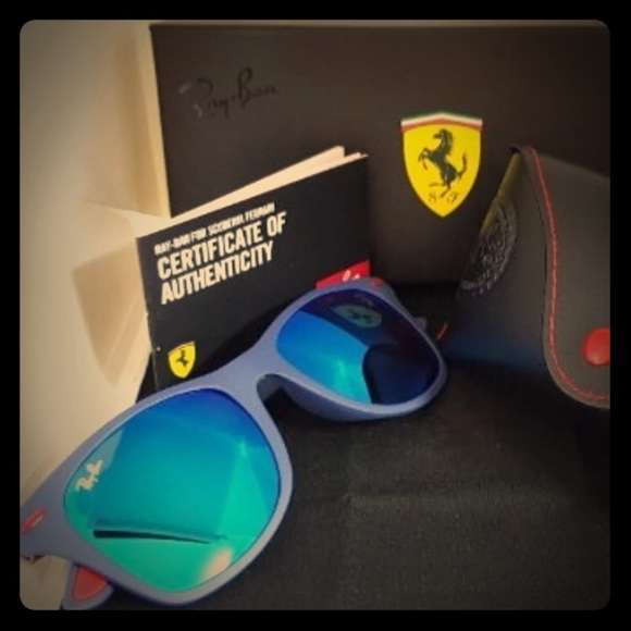 023e8ccb61d2 Ray-Ban Ferrari Scuderia 4195 Liteforce Sunglasses